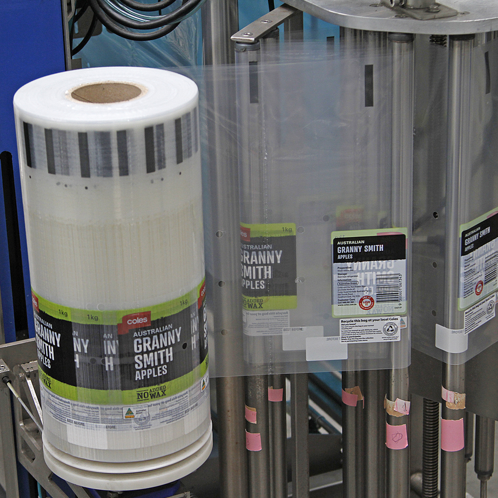 Integrated Packaging bag on roll machine